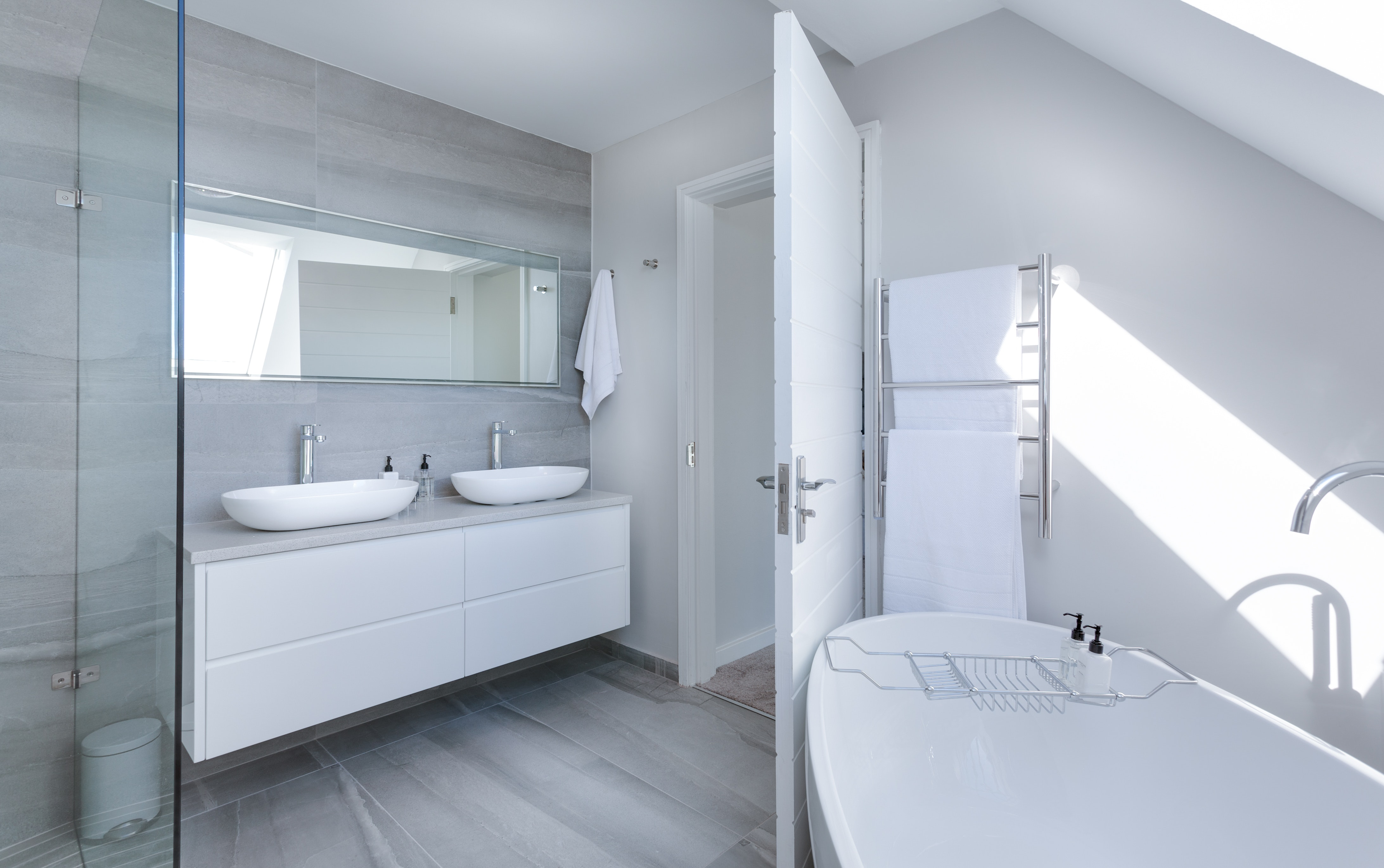architecture-bath-bathroom-1454804.jpg