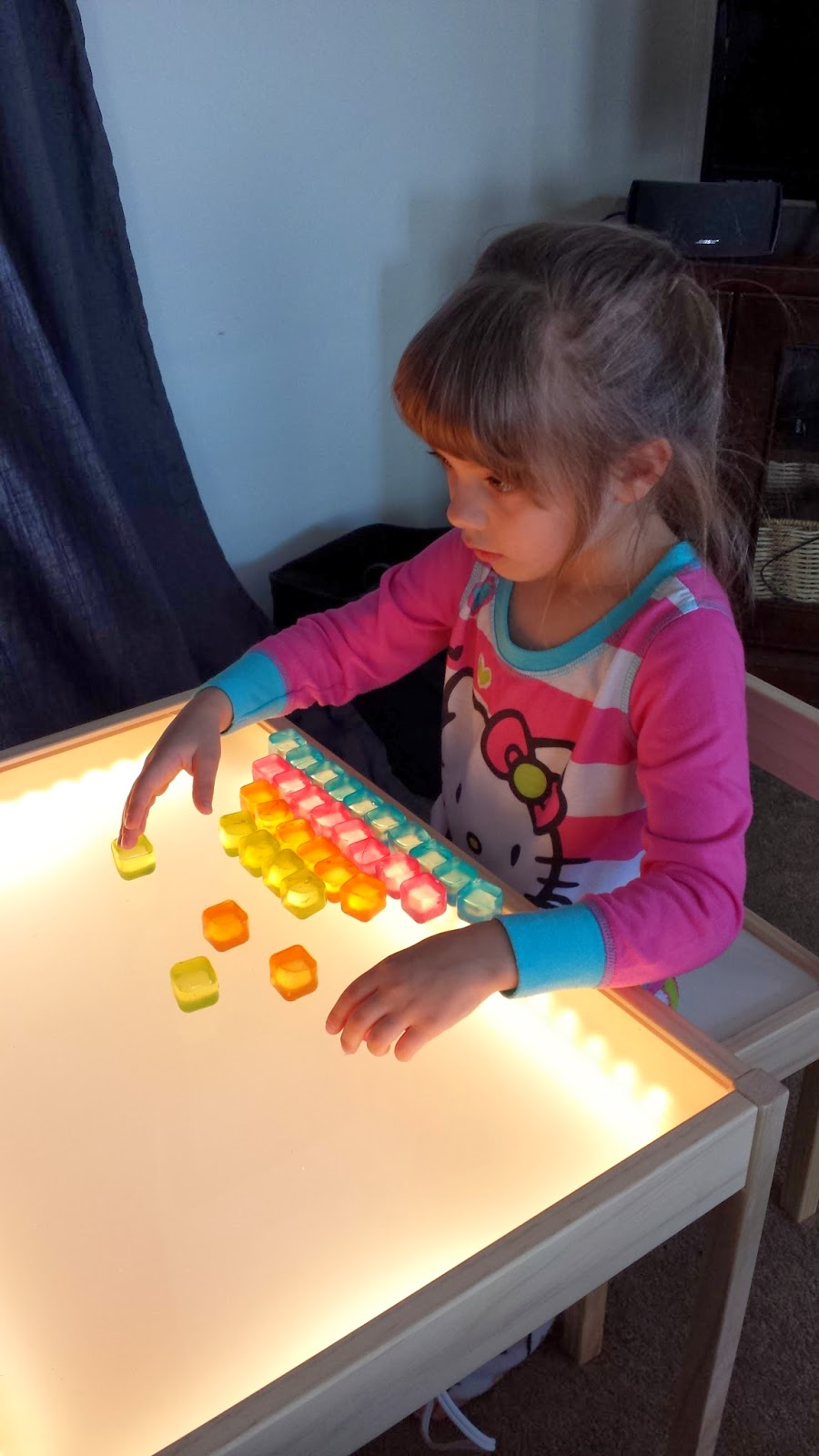 Il light panel lo strumento perfetto per imparare - Tavolino per bambini ikea ...