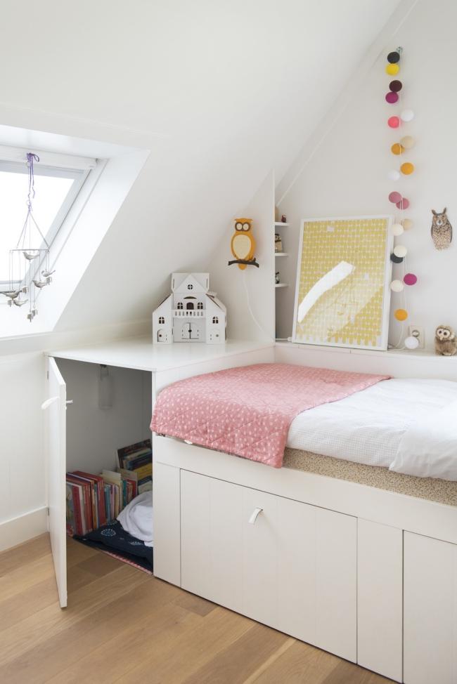 http://petitandsmall.com/2-kids-rooms-nordic-charm/
