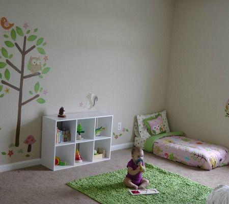 come creare uno spazio gioco montessori in casa per bambini da 6 a 18 mesi. Black Bedroom Furniture Sets. Home Design Ideas