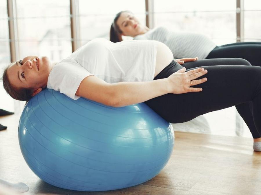 6 modi per alleviare il mal di schiena in gravidanza