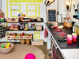 10 idee per realizzare tende casalinghe per bambini for Idee per decorare la camera