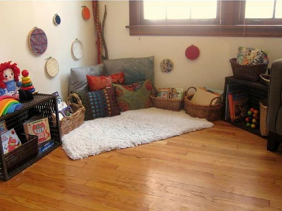 Cameretta Neonato Montessori : Metodo montessori camera neonato giochi e mobili fai da te